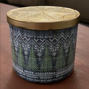 Bath and Body Works Sweather Weather Candle